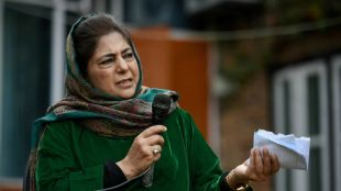 Locked up in house again pdp leader Mehbooba Mufti says dignitaries must be shown real picture of Kashmir