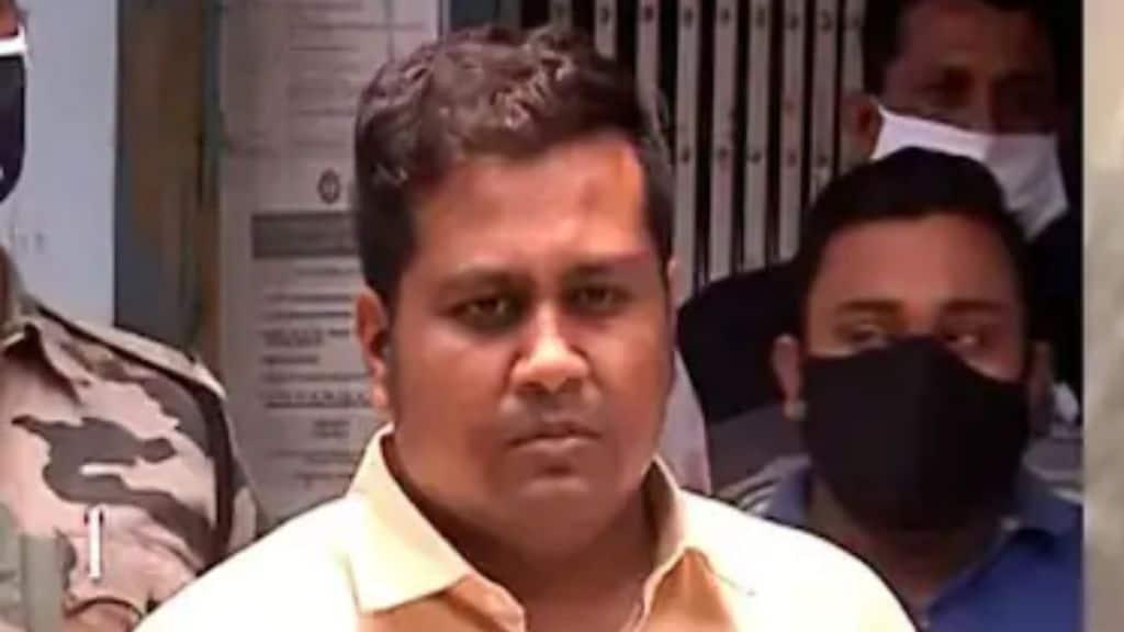 Kasba Vaccination, Fake IAS, Kolkata Police
