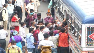 though restrictions have been relaxed in kolkata and bengal but less privet buses on roads