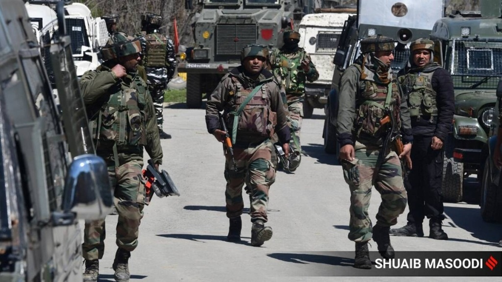 Anti-infiltration operation in Uri, Pak militant captured, another killed in Srinagar
