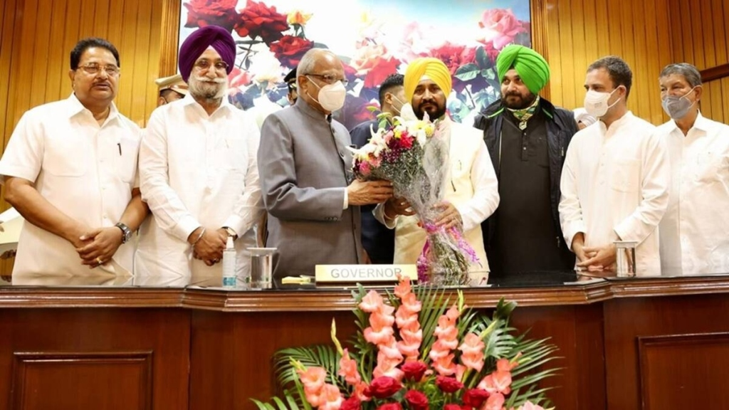Congress in damage control mode after Harish Rawat says Sidhu will lead partys face in next assembly polls