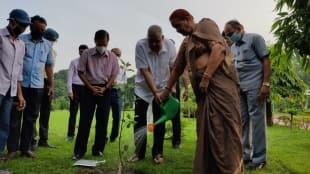 jagdeep dhankhar sudesh dhankhar plants trees in rajbhavan on narendra modis birthday