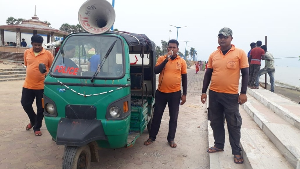 Miking at Digha sea beach area to alert locals and tourists from Cyclone