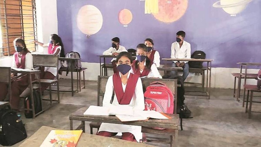 Private schools shouldn't force students to attend in-person classes, says Tamil Nadu Education Minister