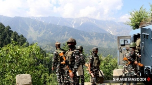 Four indian soldiers JCO killed in encounter in Jammu and Kashmirs Poonch district