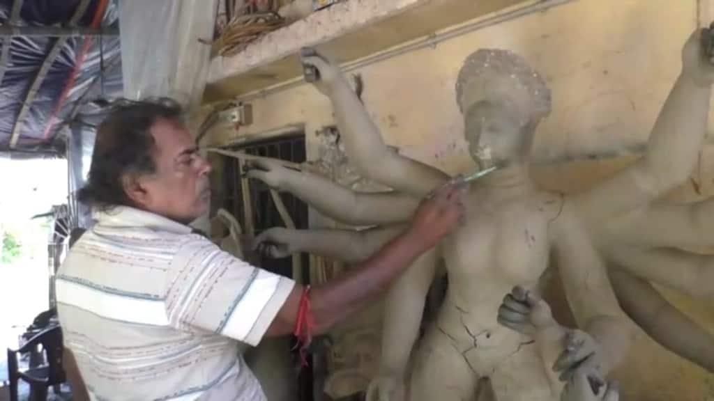 Haldias resident Noor Mohammad Chowdhury makes durga idol for many years