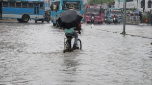 Heavy rain lashes Kerala, triggering floods and inundating several areas