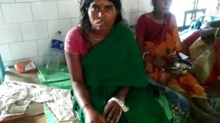 Woman came at malda medical college by capturing snake, quickly treatment have save her life