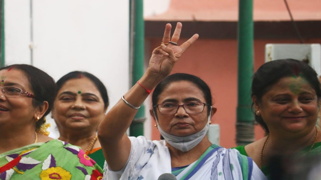 mamata banerjee may take oath as mla before durgapuja