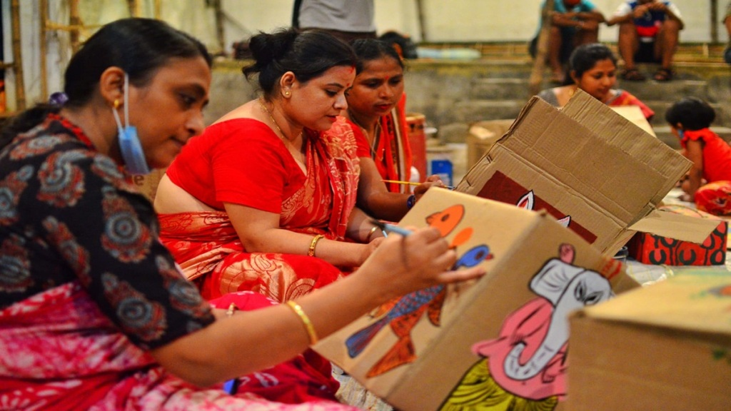 Kolkatas shampamirza nagar pujo coommittee is going to fecorate their pandals with box painting